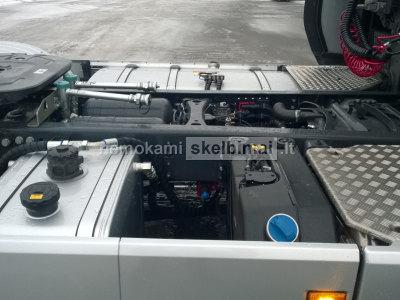 Hidraulikos montavimas vilkikams