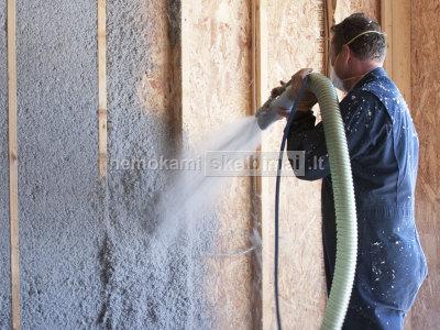 Šiltinimas purškiama mineraline ir medžio plaušo vata, ekovata