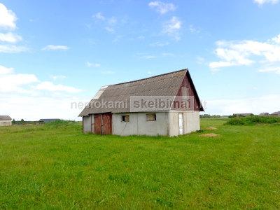 Šalčininkų raj, Mantviliškių k, sklypas su namo pamatais ir ūkiniu pastatu