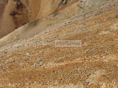 Gruntas žvyras smėlis skalda augalinis gruntas