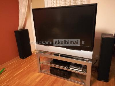 Parduodamas 130 cm įstrižainės plokščiaekranis, lempinis naudotas televizorius Panasonic su staliuku
