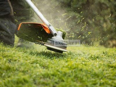 Pjauname veją, aukštą žolę, krūmus