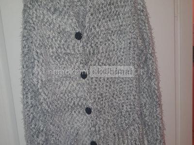 Pusilgis megztinukas su gobtuvu J X